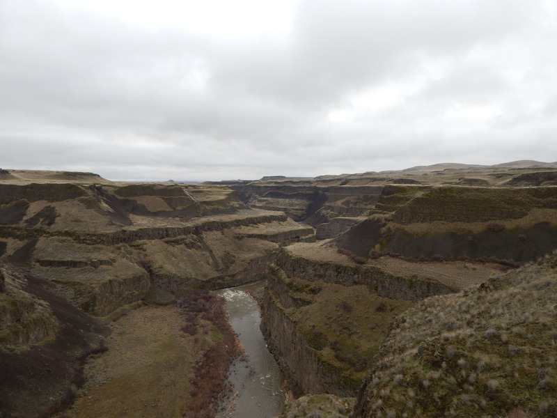 View to the south of the Fryxell Overlook, of the Palouse River