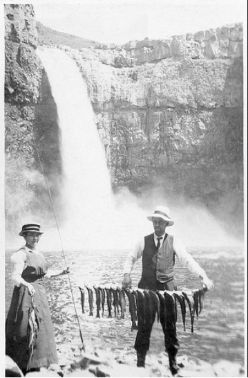 Fishing at Palouse Falls